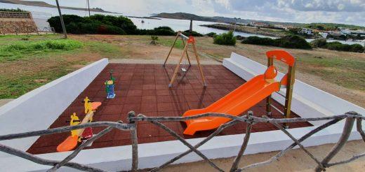 Nueva parque infantil de Na Macaret