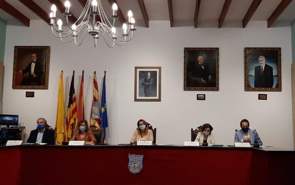 Imagen de la firma del convenio celebrada este viernes en Es Castell