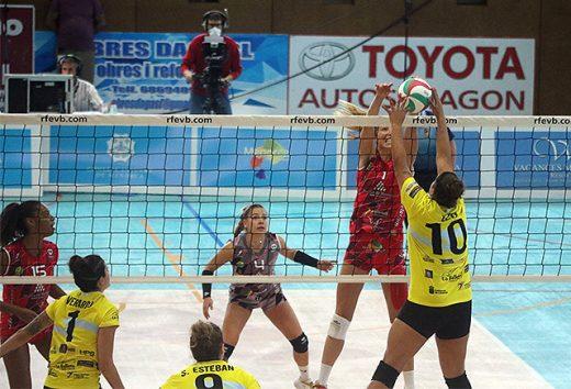 Bloqueo del Avarca ante el Sayre (Foto: deportesmenorca.com)