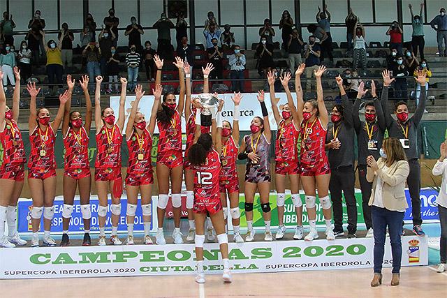 Celebración del título del Avarca de Menorca (Fotos: deportesmenorca.com)