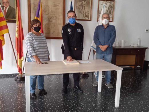 Acto de la toma de posesión del cargo (Foto: Ajuntament de Sant Lluís)