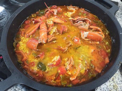 Un delicioso arroz caldoso con bogavante.
