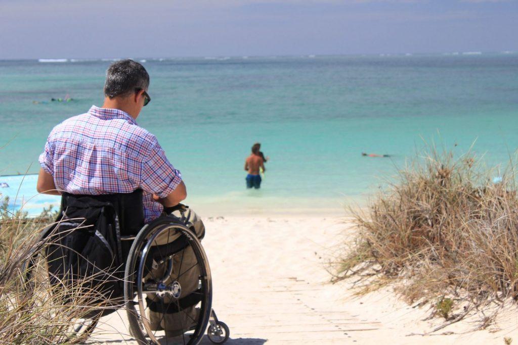 Se quiere potenciar Menorca como un destino que cuida la accesibilidad de todas las personas
