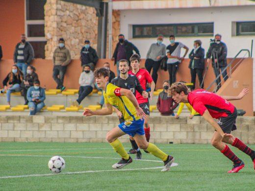 (Fotos) El Atlético Villacarlos empata en los postres