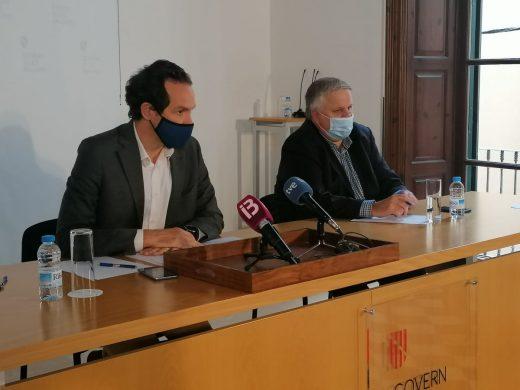 El conseller Marc Pons y el presidente de la Federación Empresarial Balear de Transportes