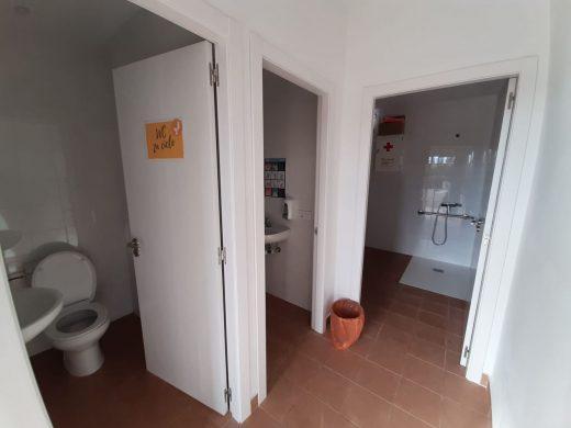 (Fotos) Maó reforma los baños del CEIP Tramuntana