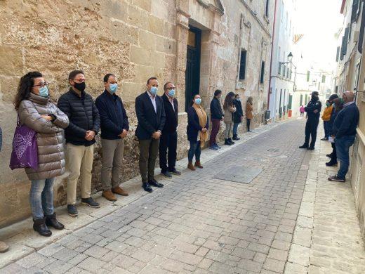 Apoyo en Menorca al Día Internacional por la Eliminación de la Violencia contra la Mujer