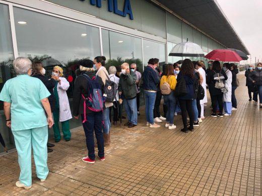 (Fotos) Dimite la supervisora de enfermería de la UCI y vuelven las protestas