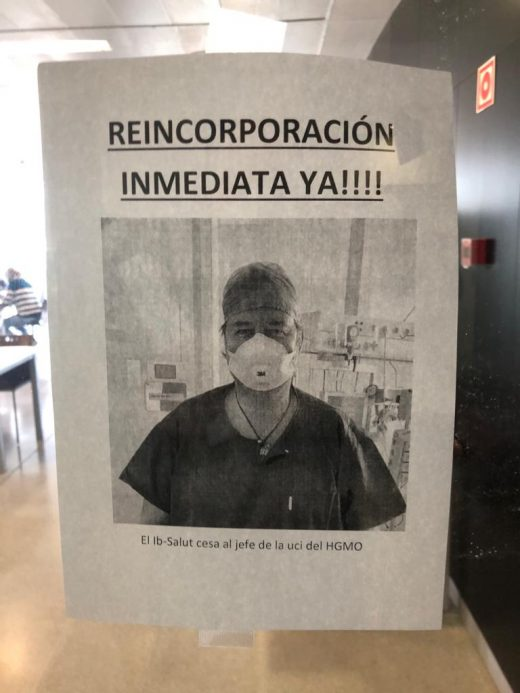 La imagen del doctor Fernández Cid en los carteles que se han colocado en el Hospital