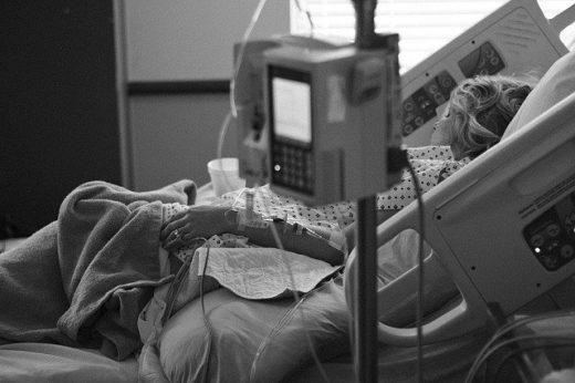 En la UCI del Hospital Mateu Orfila hay 5 pacientes