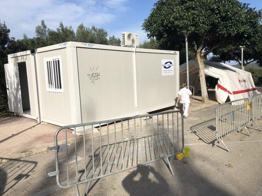 Módulo instalado cerca del centro de salud de Dalt Sant Joan. (Foto: T.)