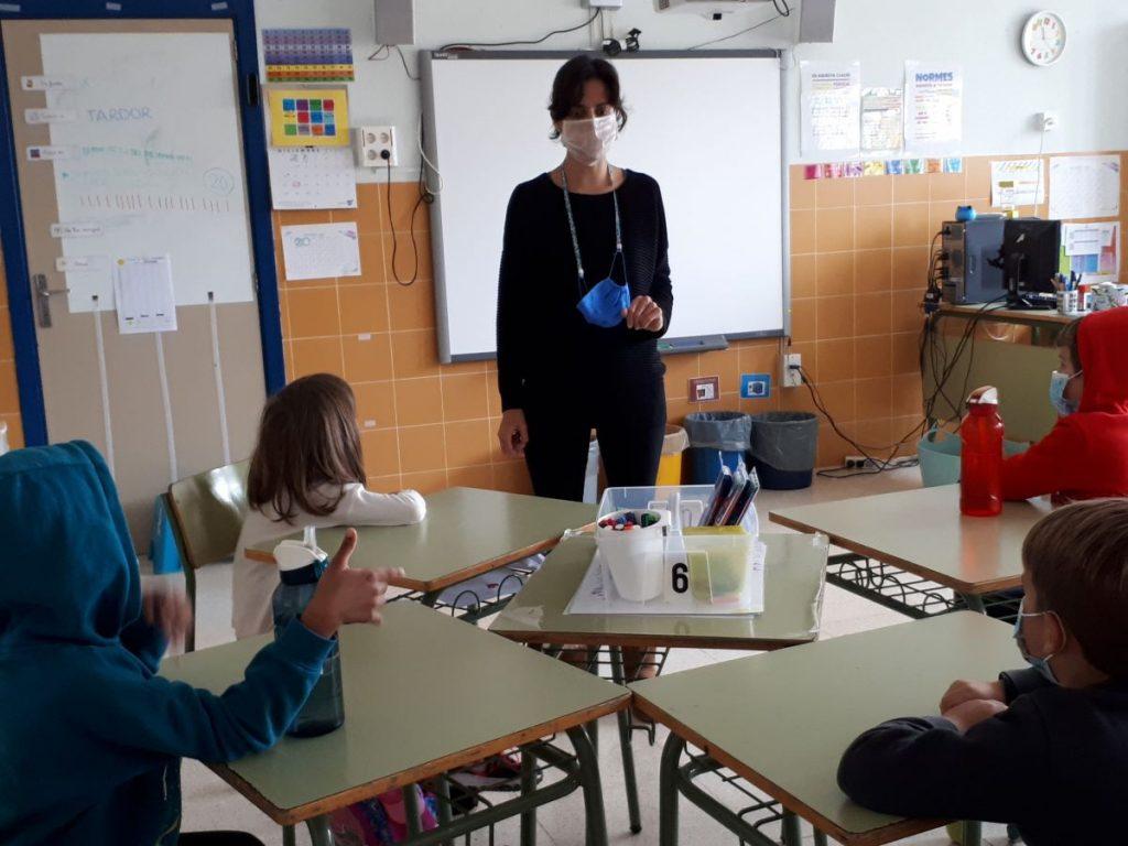 Aula con alumnos con deficiencia sensorial auditiva