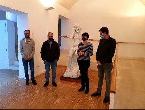 La escultura ya está en Can Saura