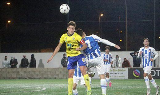 Imagen del partido entre el Atlético Villacarlos y el Espanyol (Foto: deportesmenorca.com)