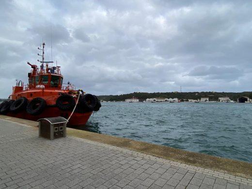 Barcos amarrados en el puerto de Maó (Foto: Tolo Mercadal)