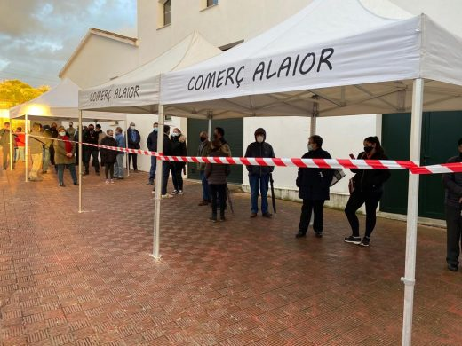 (Fotos) Respuesta masiva contra la Covid en Alaior