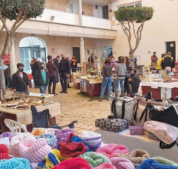 Una imagen del mercadillo (Fotos: Aj Es Castell)