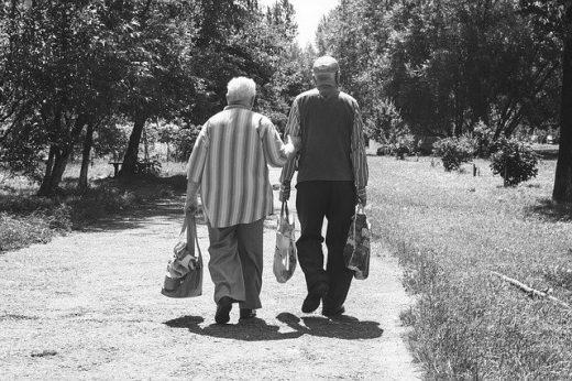 Caminando hacia el futuro incierto