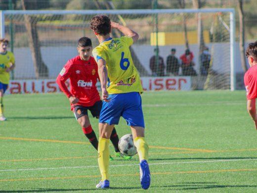 (Fotos) El Mallorca castiga al Atlético Villacarlos
