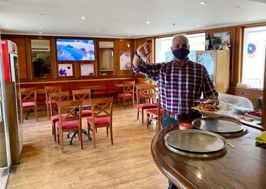 Seve García, propietario del bar Amadeus de Maó, asegura que ha perdido el 40% de la caja (Fotos: Tolo Mercadal)