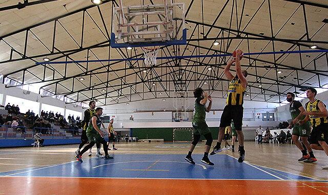 Acción del partido disputado en Maó (Fotos: deportesmenorca.com)