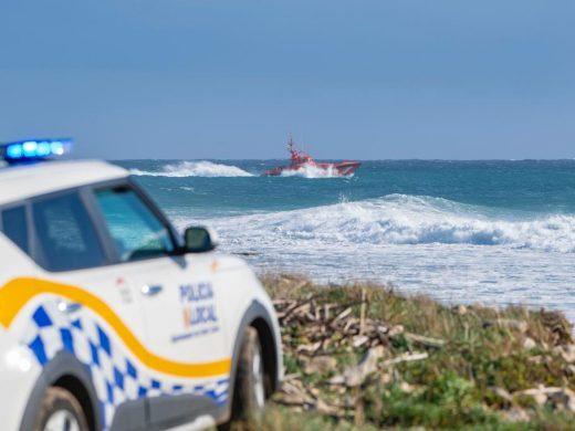 Rescatan a un surfista en la Illa de l'Aire