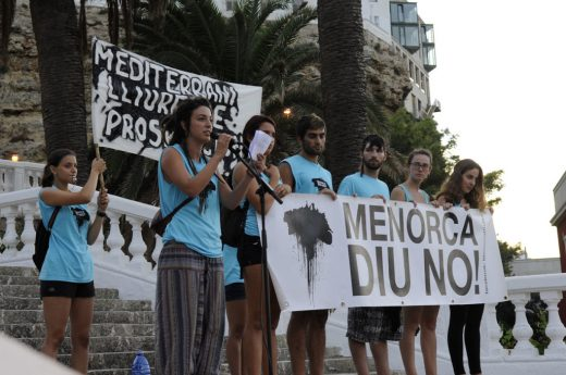 Manifestaciones antiplataformas petrolíferas.