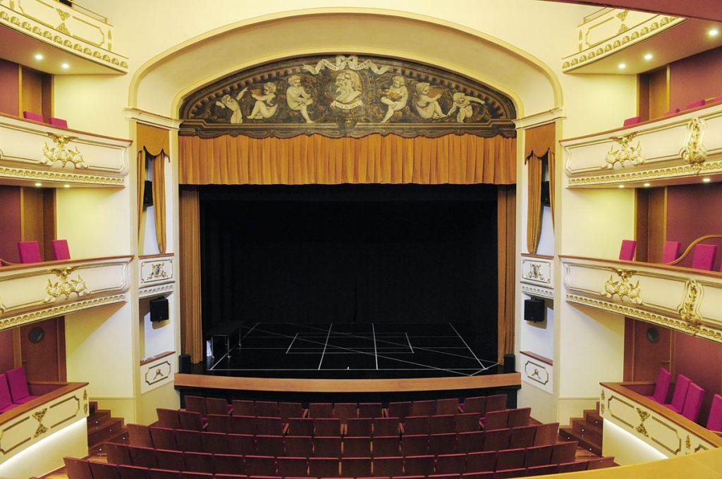 Teatre des Born.