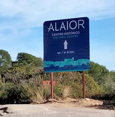 Otro de los carteles situado en el municipio (Fotos: Junts per Lô)