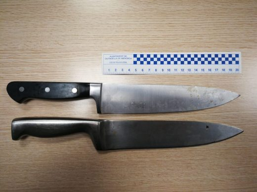 Imagen de los cuchillos recuperados (Foto: Policía Local de Ciutadella)