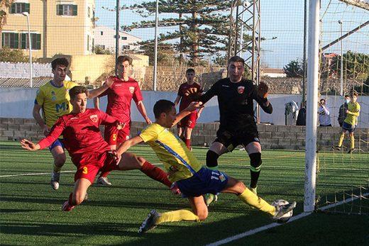 Los dos equipos ya se enfrentaron hace unos días en Es Castell.