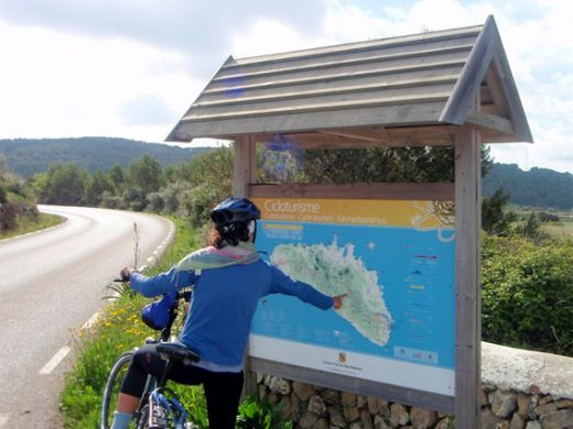 Los riders y aficionados aprecian los caminos de Menorca