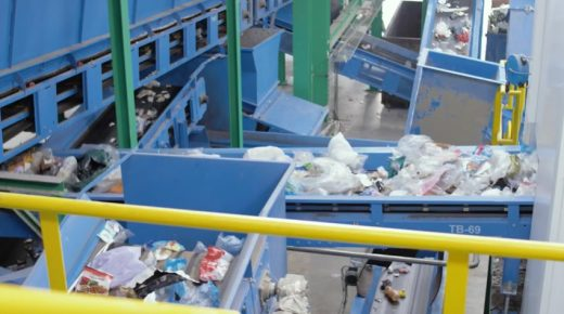 Proceso de reciclaje en la nueva planta de tratamiento de Milà