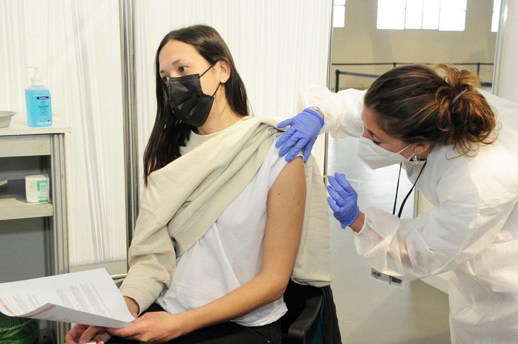 Centro de vacunación del reciento ferial de Maó (Foto: Tolo Mercadal)