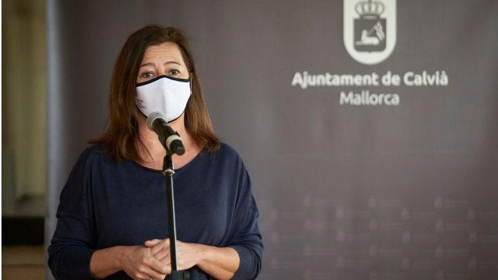 Armengol, en su comparecencia ante los medios (Foto: Javier Fernández - Mallorcadiario.com)