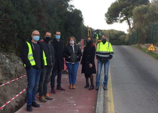 Autoridades del Consell de Menorca y el Ayuntamiento de Maó en una visita a las obras