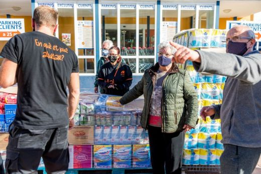 Donación de San Crispín a Cáritas.