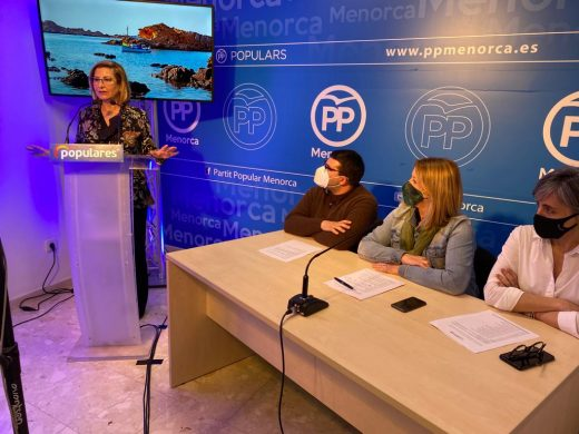 (Fotos) Coia Sugrañes, reelegida presidenta del PP de Menorca