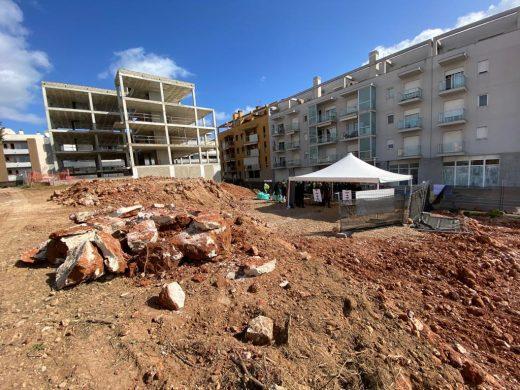 (Fotos y vídeo) Más pisos de protección oficial en Maó
