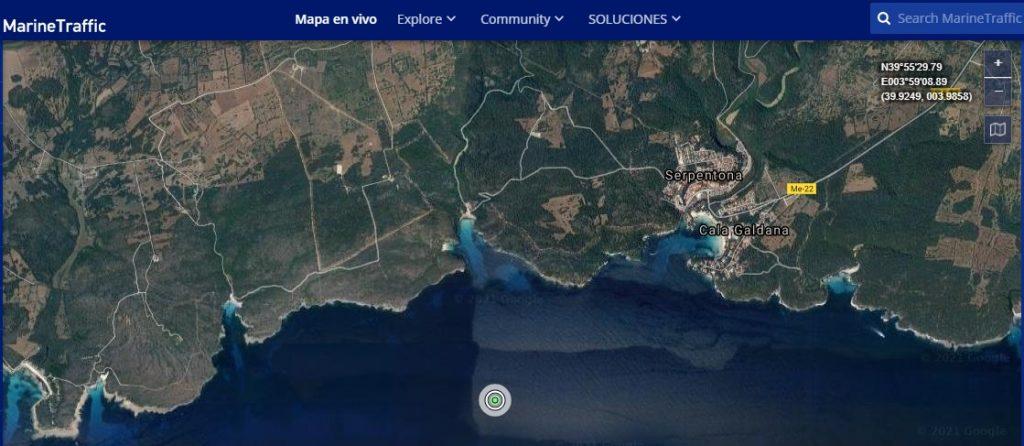 Lugar en el que se encuentra fondeado el barco Elbeik señalado por tráfico marítimo