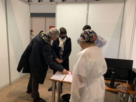 (Fotos) 70 personas se vacunan este lunes en la sala multifuncional Canal Salat