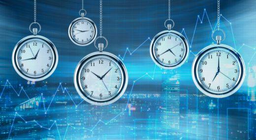El trading after hours (que incluye la negociación previa al trading después de la jornada laboral) comenzó alrededor de 1999.
