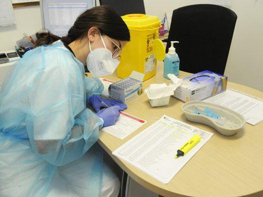 Llaman a vacunar a 1.618 docentes de Menorca