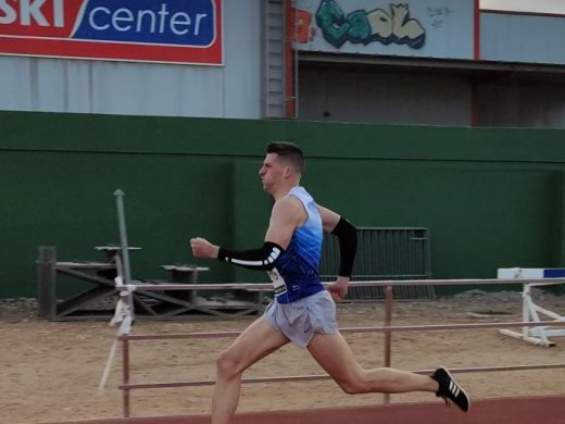 """(Fotos) """"Lita"""" López bate el récord de España de 80 metros vallas en máster 45"""