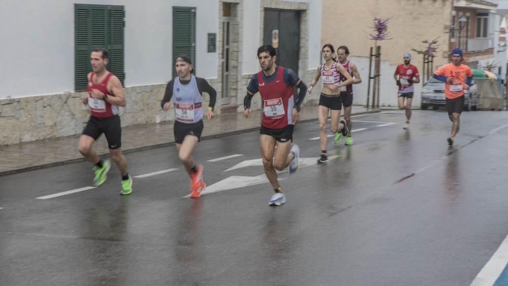 Imagen de la prueba en las calles de Es Mercadal (Fotos: Carlos Hurtado)