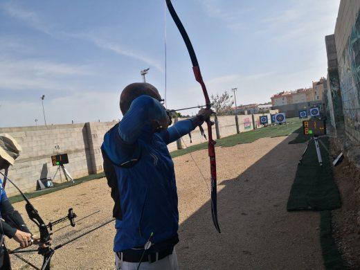 (Fotos) Lia Tolmie lidera el ranking IGA de tiro con arco
