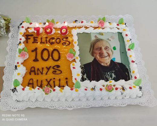 La tarta con la que Auxili celebró su centenario