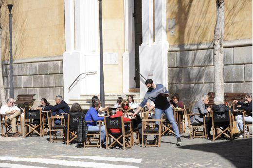 La ampliación del horario de los establecimientos de restauración se debatirá el próximo jueves
