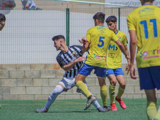 (Fotos) El Atlético Villacarlos cae ante el Jabac i Terrassa