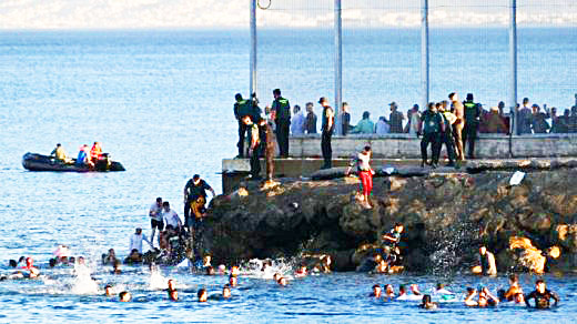 Llegada masiva a Ceuta (Foto: Mallorcadiario.com)